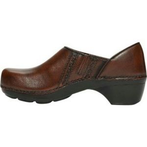 Size 36 brown leather Dansko shoes